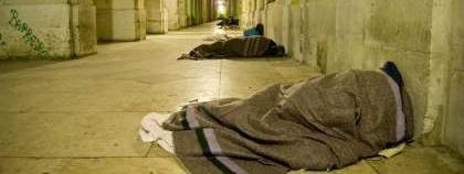 pessoa sem abrigo